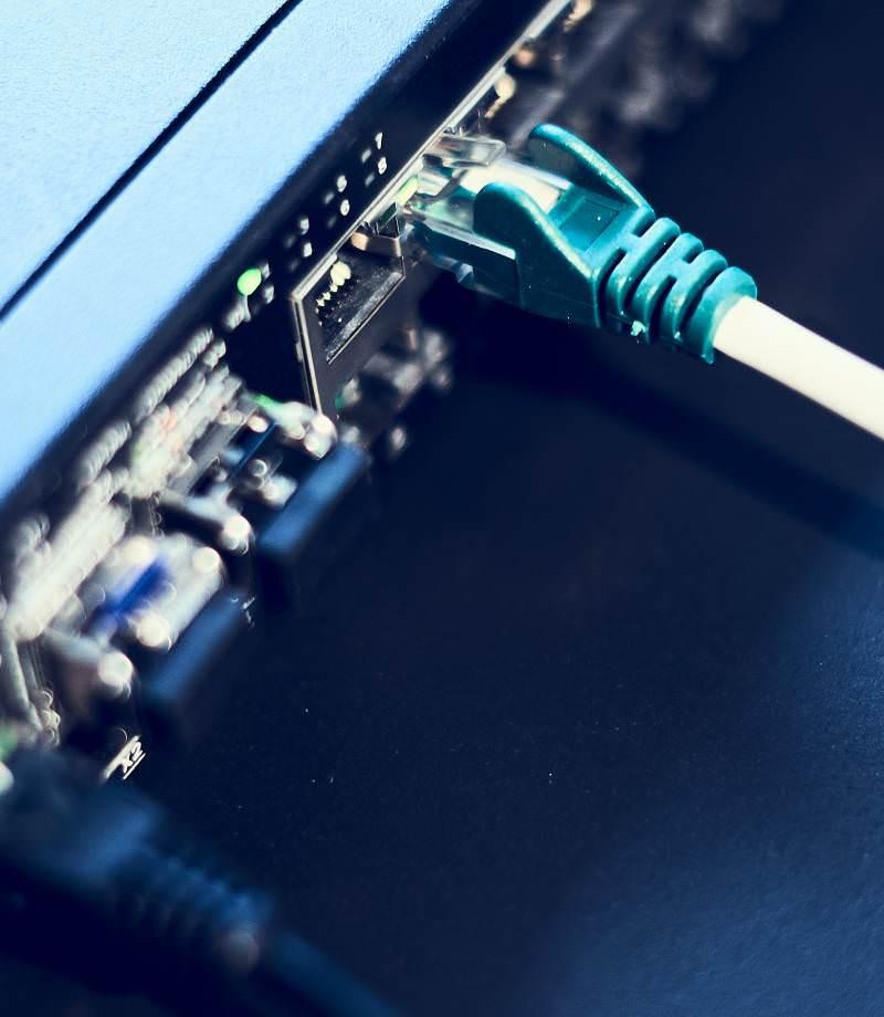 Et datacenter til samling af virksomheders data samt LAN Switching